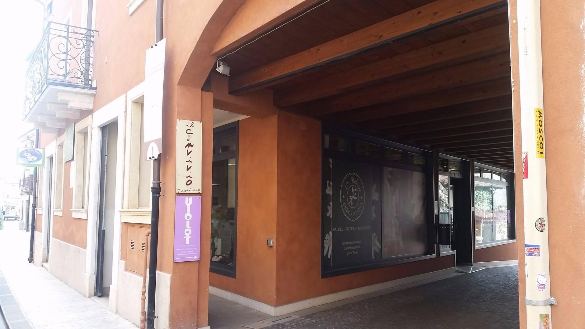 Negozio / Locale in affitto a Monteforte d'Alpone, 9999 locali, prezzo € 500 | CambioCasa.it