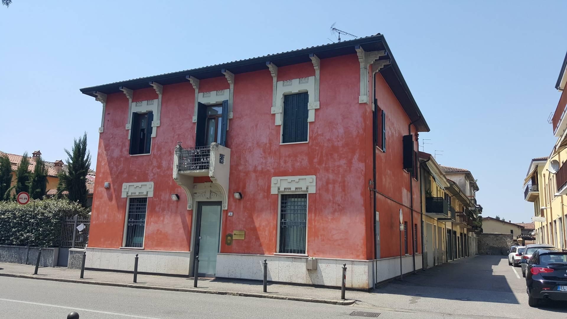 Ufficio / Studio in affitto a Soave, 8 locali, prezzo € 26.000 | CambioCasa.it