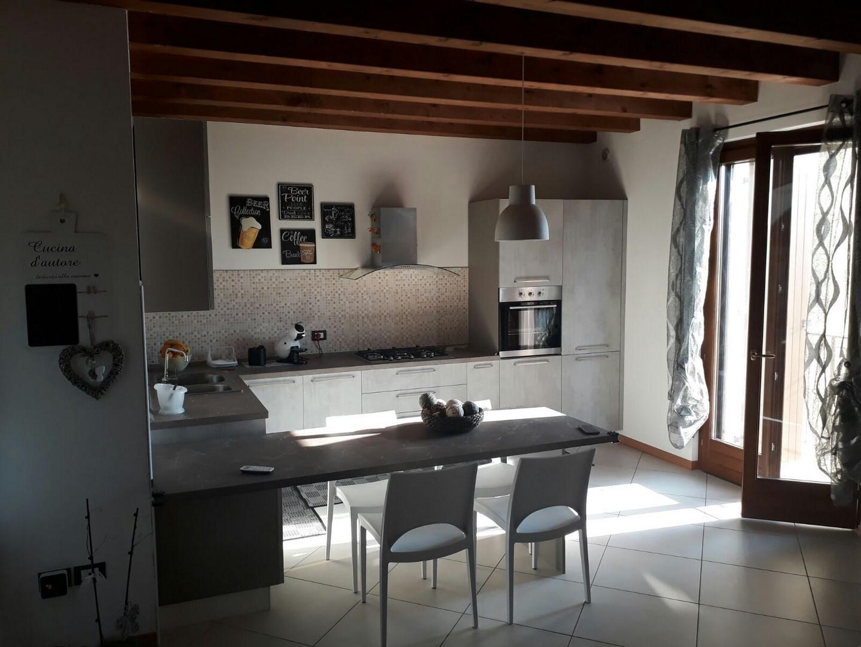 Appartamento in vendita a Soave, 3 locali, prezzo € 170.000 | CambioCasa.it