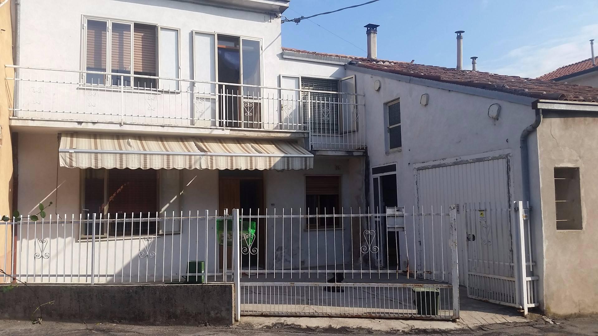 Soluzione Indipendente in vendita a San Bonifacio, 5 locali, prezzo € 120.000   CambioCasa.it
