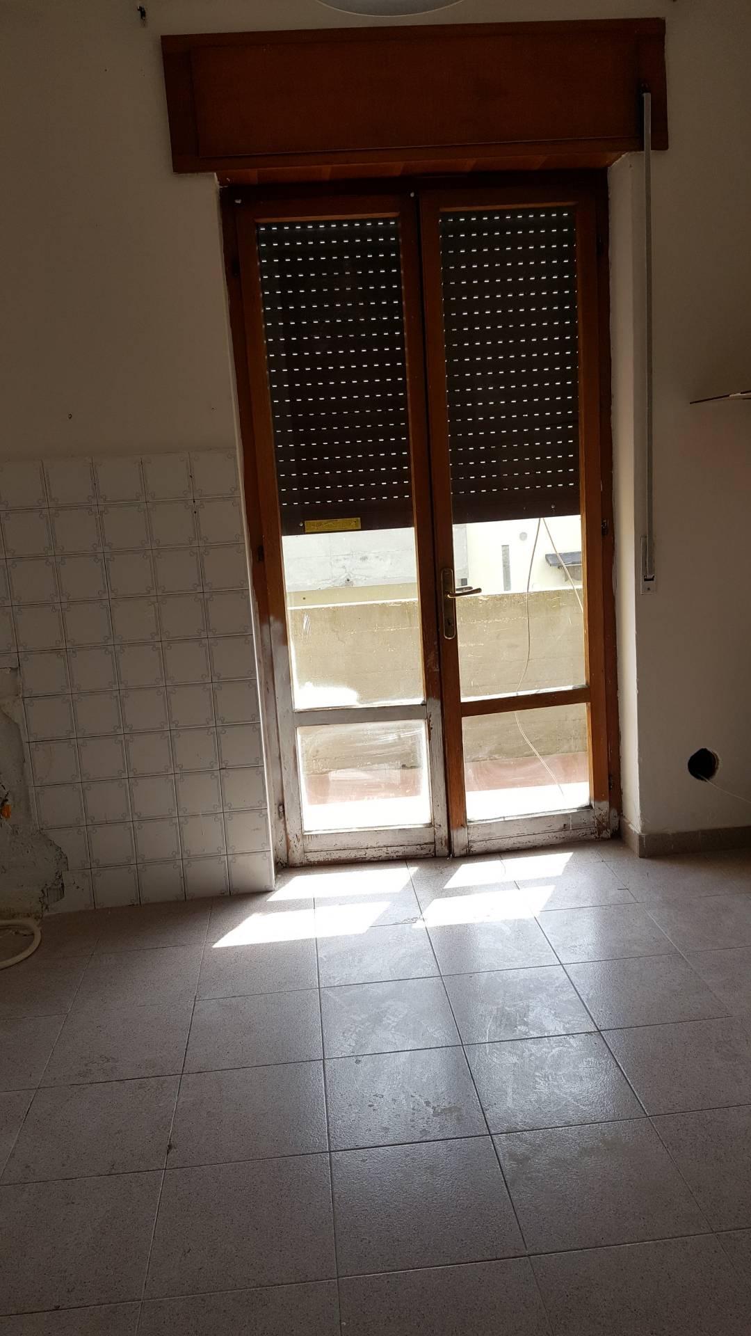 Appartamento in vendita a Monteforte d'Alpone, 4 locali, prezzo € 50.000 | CambioCasa.it