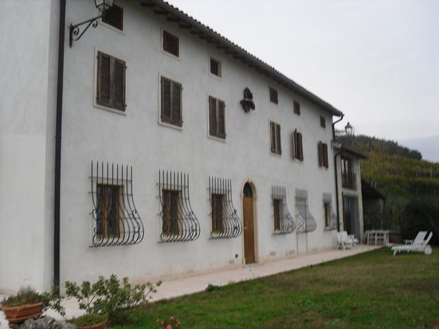 Villa in vendita a Monteforte d'Alpone, 13 locali, prezzo € 490.000 | CambioCasa.it