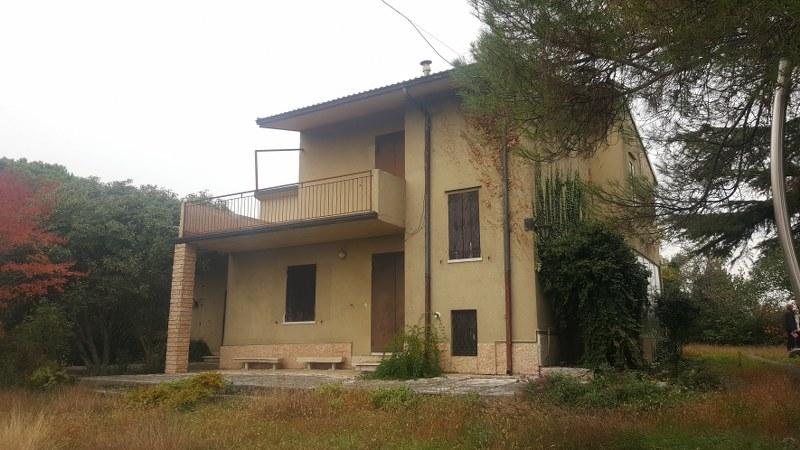 Villa in vendita a Colognola ai Colli, 7 locali, prezzo € 445.000 | CambioCasa.it