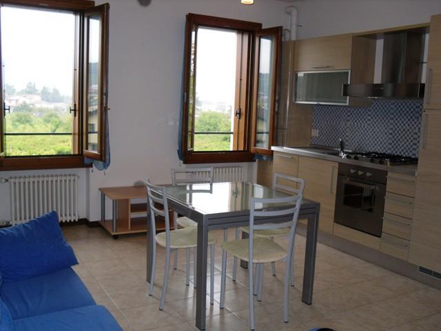 Appartamento in affitto a Monteforte d'Alpone, 2 locali, zona Zona: Costalunga, prezzo € 400 | CambioCasa.it