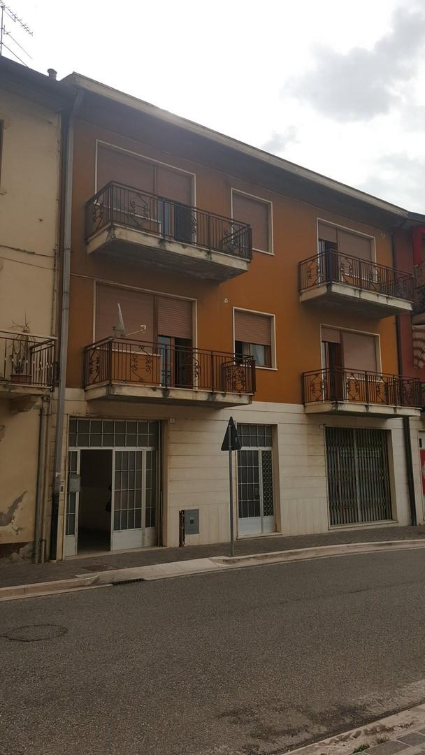 Appartamento in vendita a Montecchia di Crosara, 5 locali, prezzo € 80.000 | CambioCasa.it