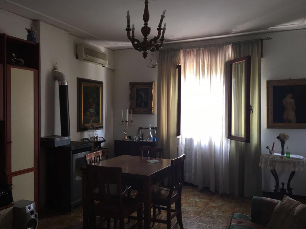 Soluzione Indipendente in affitto a Belfiore, 5 locali, prezzo € 480 | CambioCasa.it