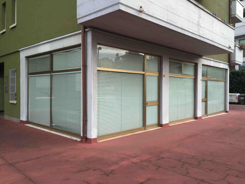 Ufficio / Studio in vendita a Fabriano, 9999 locali, zona Località: PERIFERIA, Trattative riservate | CambioCasa.it