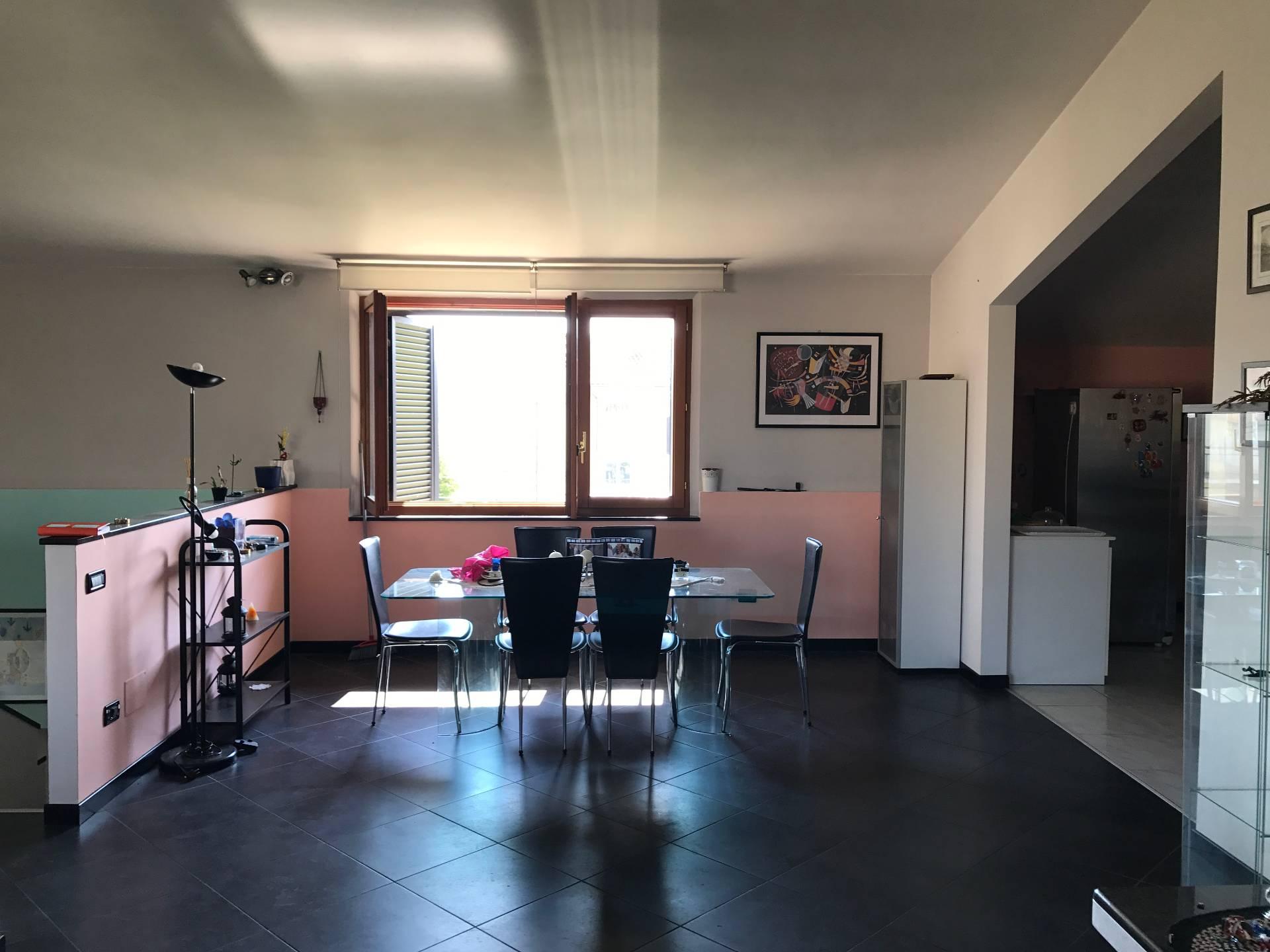 Attico / Mansarda in vendita a Fabriano, 9 locali, zona Località: SEMIPERIFERIA, prezzo € 170.000 | CambioCasa.it