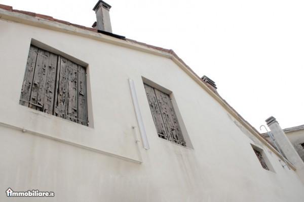 Palazzo / Stabile in vendita a Treviso, 7 locali, zona Località: Centrostorico, prezzo € 900.000   Cambio Casa.it