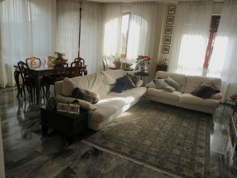Appartamento in affitto a Agrate Brianza, 3 locali, prezzo € 850 | Cambiocasa.it