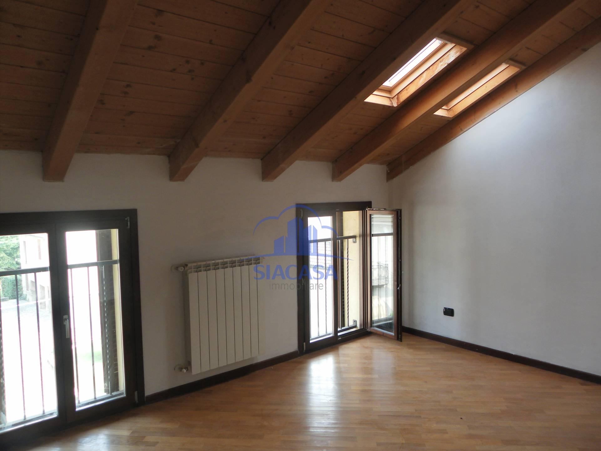 Bilocale Cornate d Adda Via Giuseppe Mazzini 10