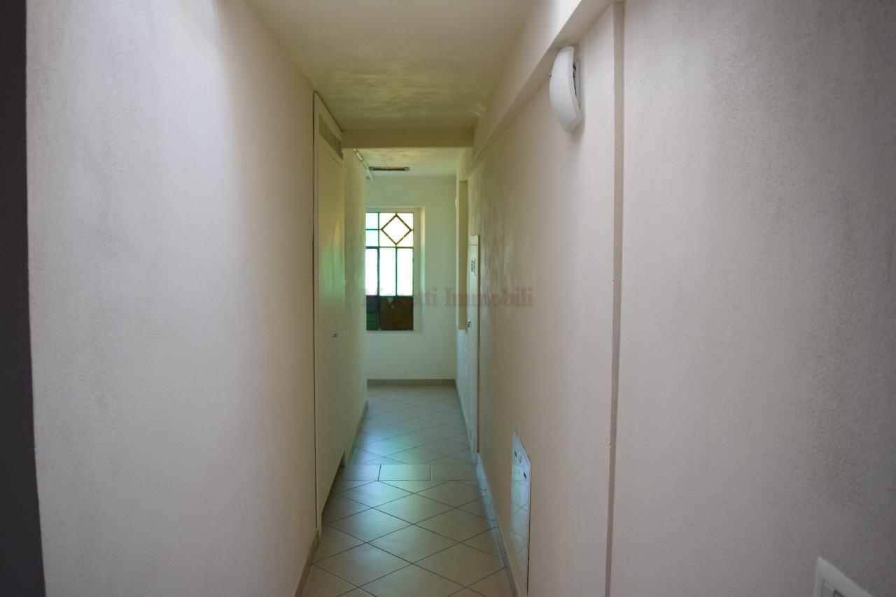 Bilocale Pinerolo Via Montebello 8