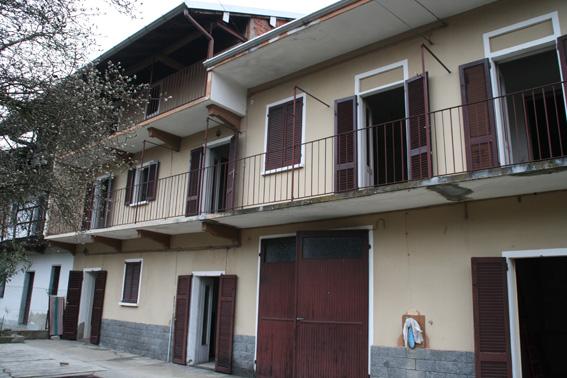 Rustico / Casale in Vendita a Varallo Pombia