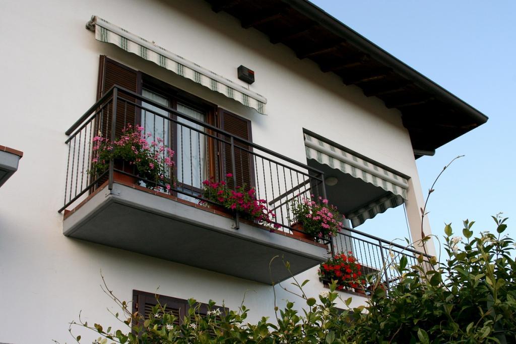 Appartamento in vendita a Oleggio, 4 locali, zona Località: vicinanzecentro, prezzo € 160.000 | Cambio Casa.it