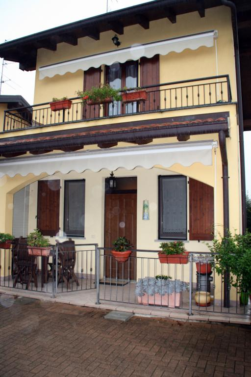 Villa a Schiera in vendita a Vaprio d'Agogna, 3 locali, prezzo € 195.000 | Cambio Casa.it