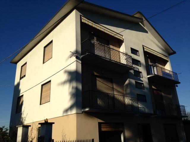 Villa Bifamiliare in Vendita a Marano Ticino
