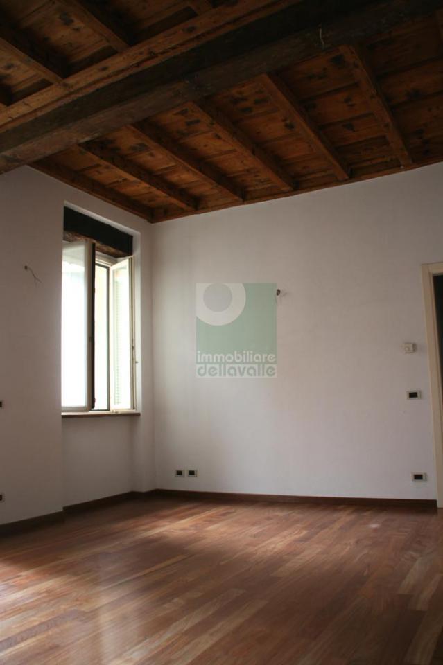 Ufficio / Studio in affitto a Oleggio, 9999 locali, prezzo € 800 | Cambio Casa.it