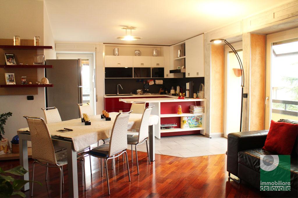 Attico / Mansarda in affitto a Bellinzago Novarese, 5 locali, prezzo € 600 | CambioCasa.it