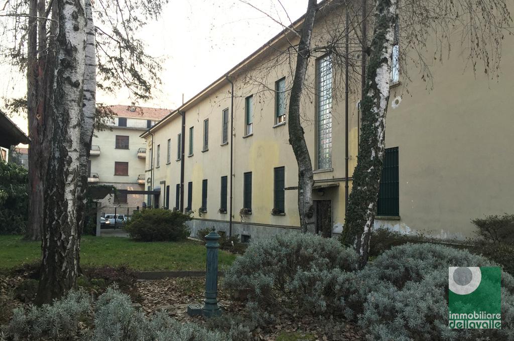 Bilocale Oleggio Via Sempione 1