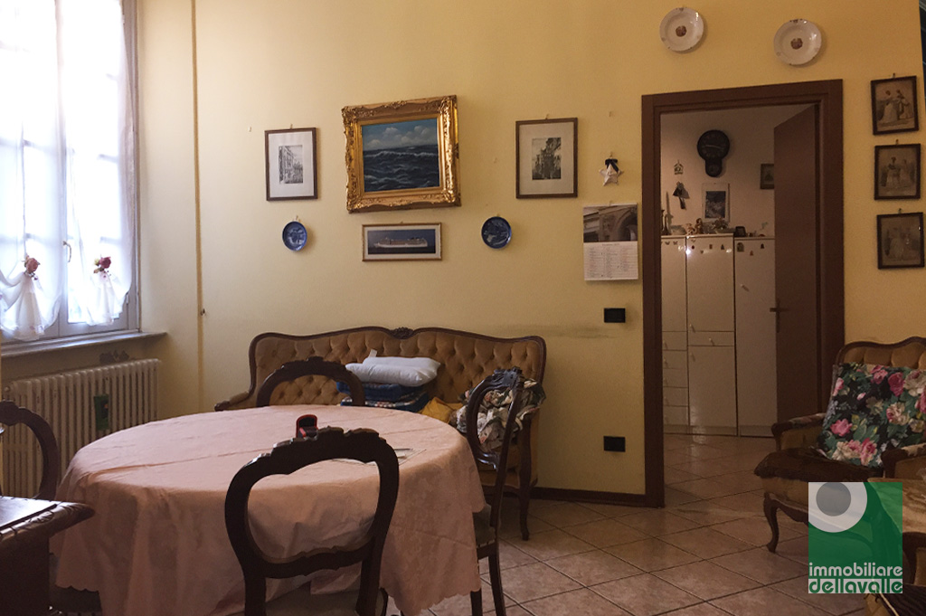 Bilocale Oleggio Via Sempione 5