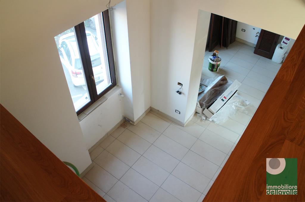 Appartamento in vendita a Oleggio, 4 locali, prezzo € 220.000   Cambio Casa.it
