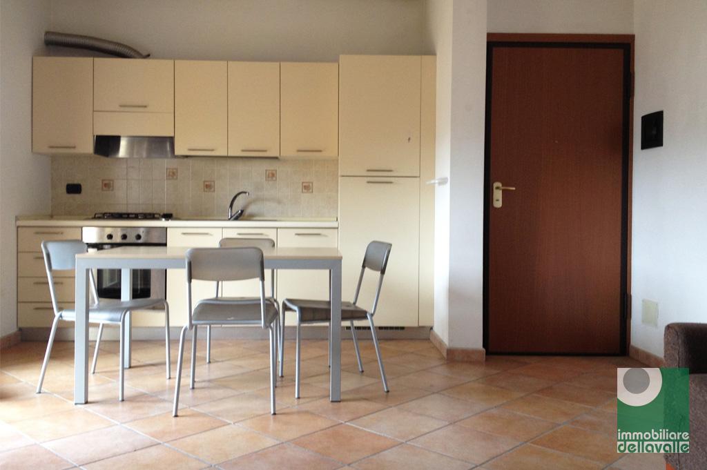 Appartamento in vendita a Oleggio, 2 locali, prezzo € 79.000 | Cambio Casa.it