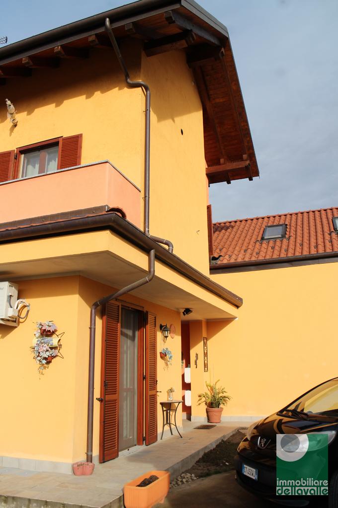 Villa Bifamiliare in vendita a Caltignaga, 3 locali, prezzo € 219.000   Cambio Casa.it