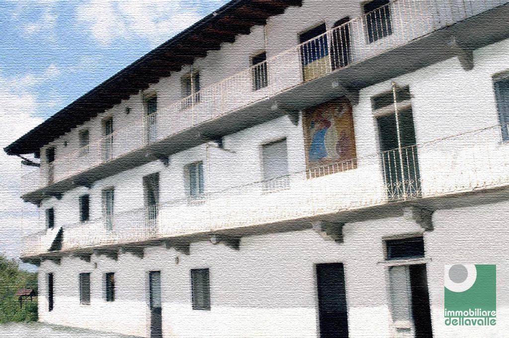Rustico / Casale in vendita a Oleggio, 9 locali, Trattative riservate | Cambio Casa.it