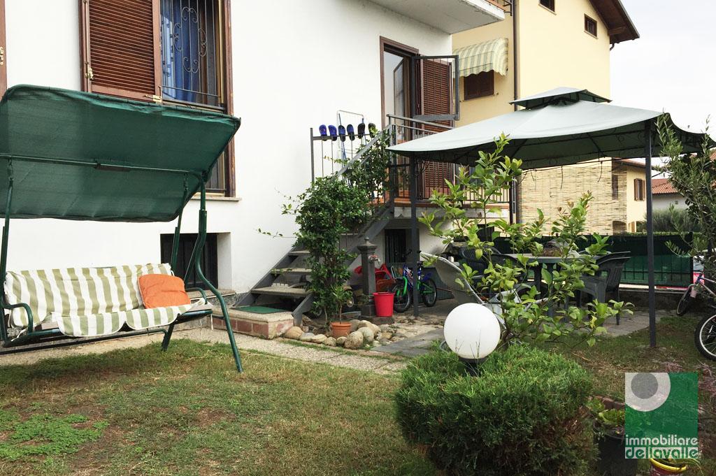 Appartamento in vendita a Oleggio, 3 locali, prezzo € 135.000   CambioCasa.it
