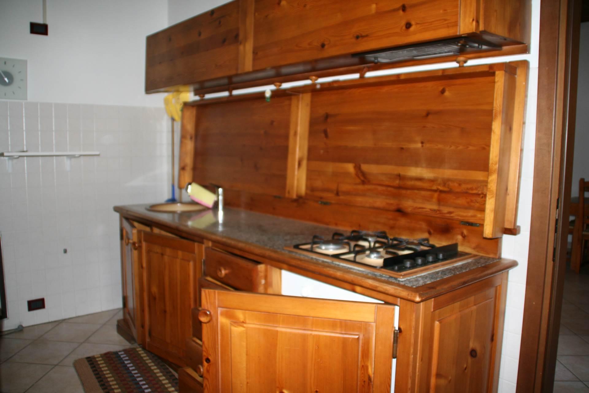 Appartamento in affitto a Oleggio, 3 locali, prezzo € 480 | Cambio Casa.it