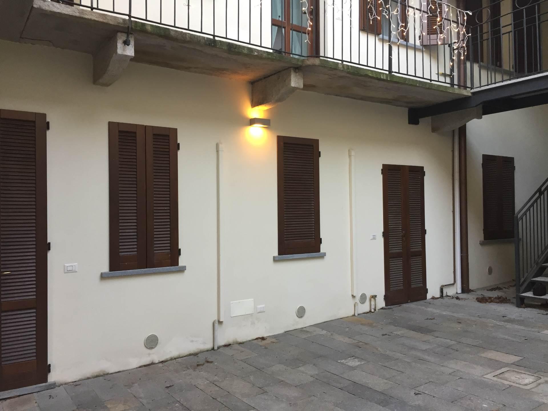 Ufficio / Studio in affitto a Oleggio, 9999 locali, prezzo € 400 | CambioCasa.it