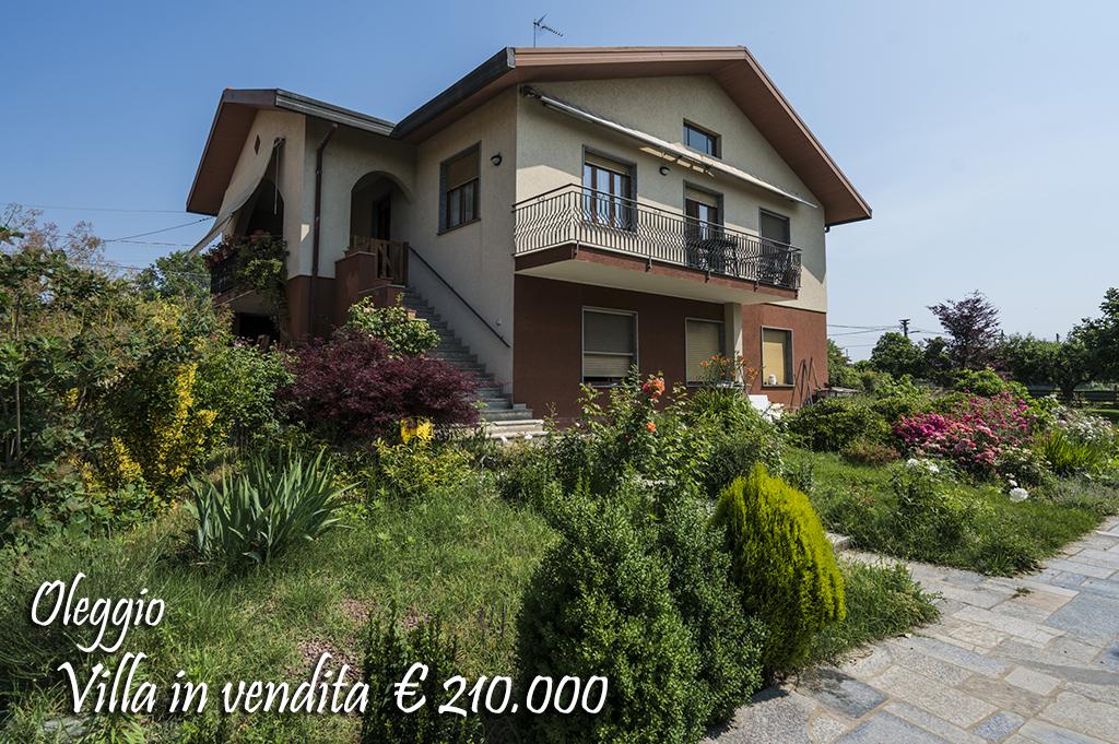Villa in vendita a Oleggio, 7 locali, prezzo € 210.000   CambioCasa.it