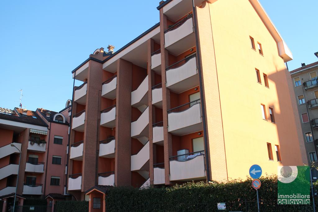 Appartamento in vendita a Oleggio, 2 locali, prezzo € 90.000   CambioCasa.it