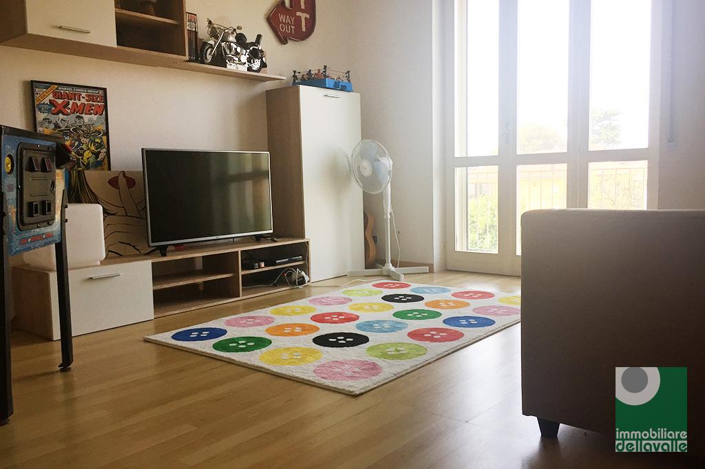 Appartamento in vendita a Momo, 2 locali, prezzo € 50.000 | CambioCasa.it