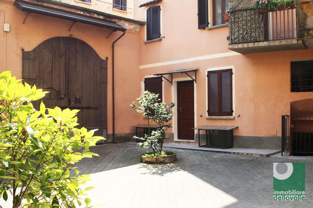Appartamento in affitto a Oleggio, 2 locali, prezzo € 350 | CambioCasa.it