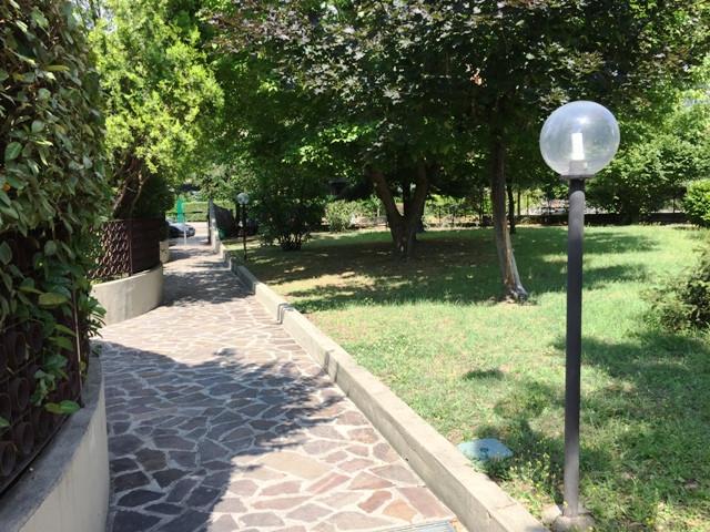 Villa in vendita a Casalecchio di Reno, 10 locali, zona Località: ZonaCentro, prezzo € 700.000 | CambioCasa.it