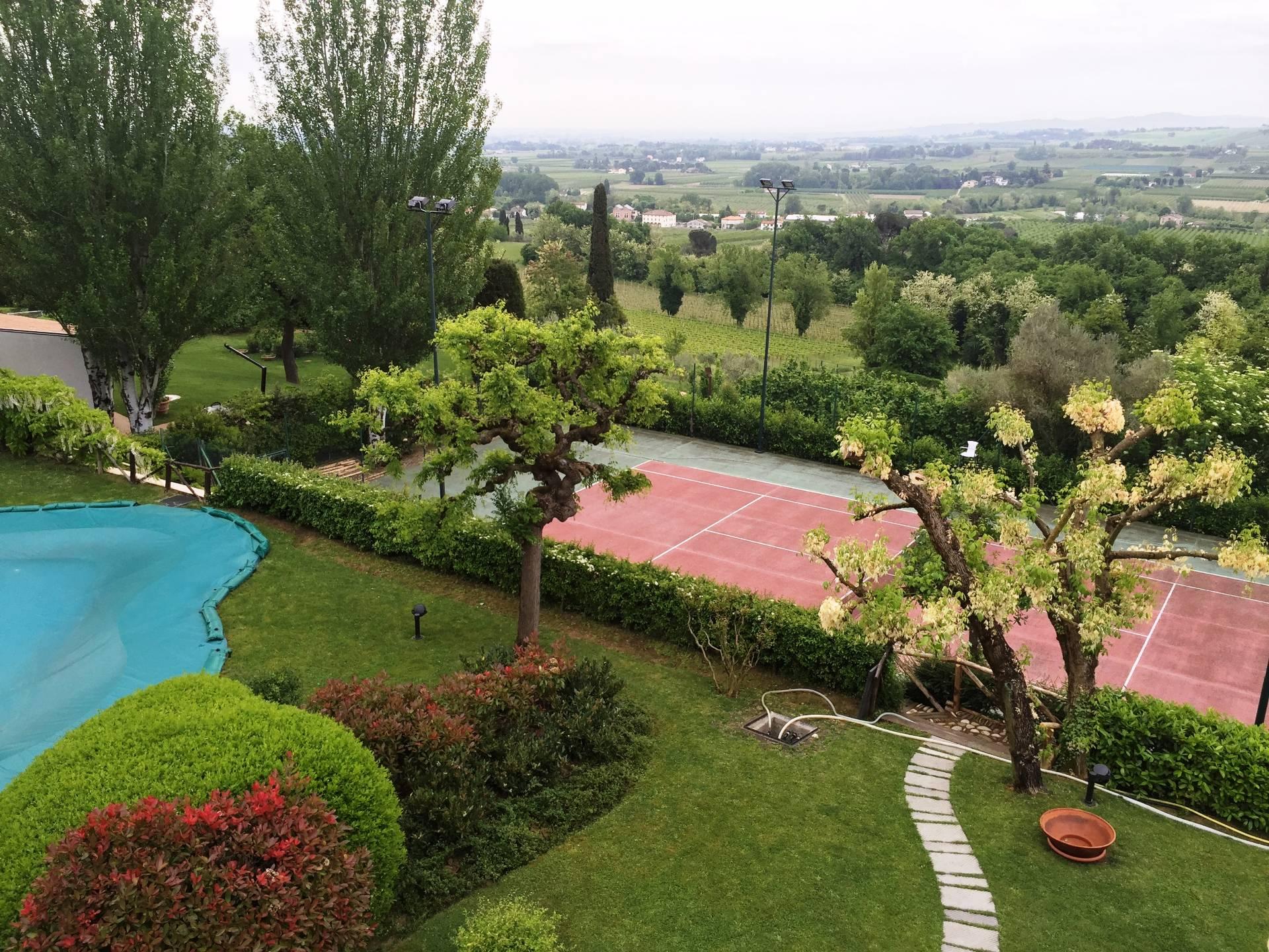 Villa Bifamiliare in Vendita a Faenza