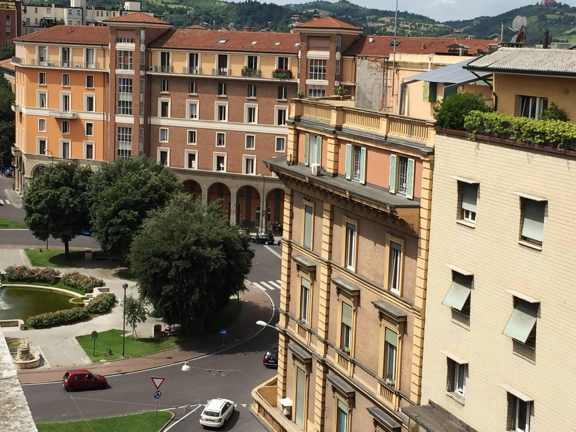 Attico / Mansarda in vendita a Bologna, 2 locali, zona Località: Centrostorico, prezzo € 270.000 | Cambio Casa.it