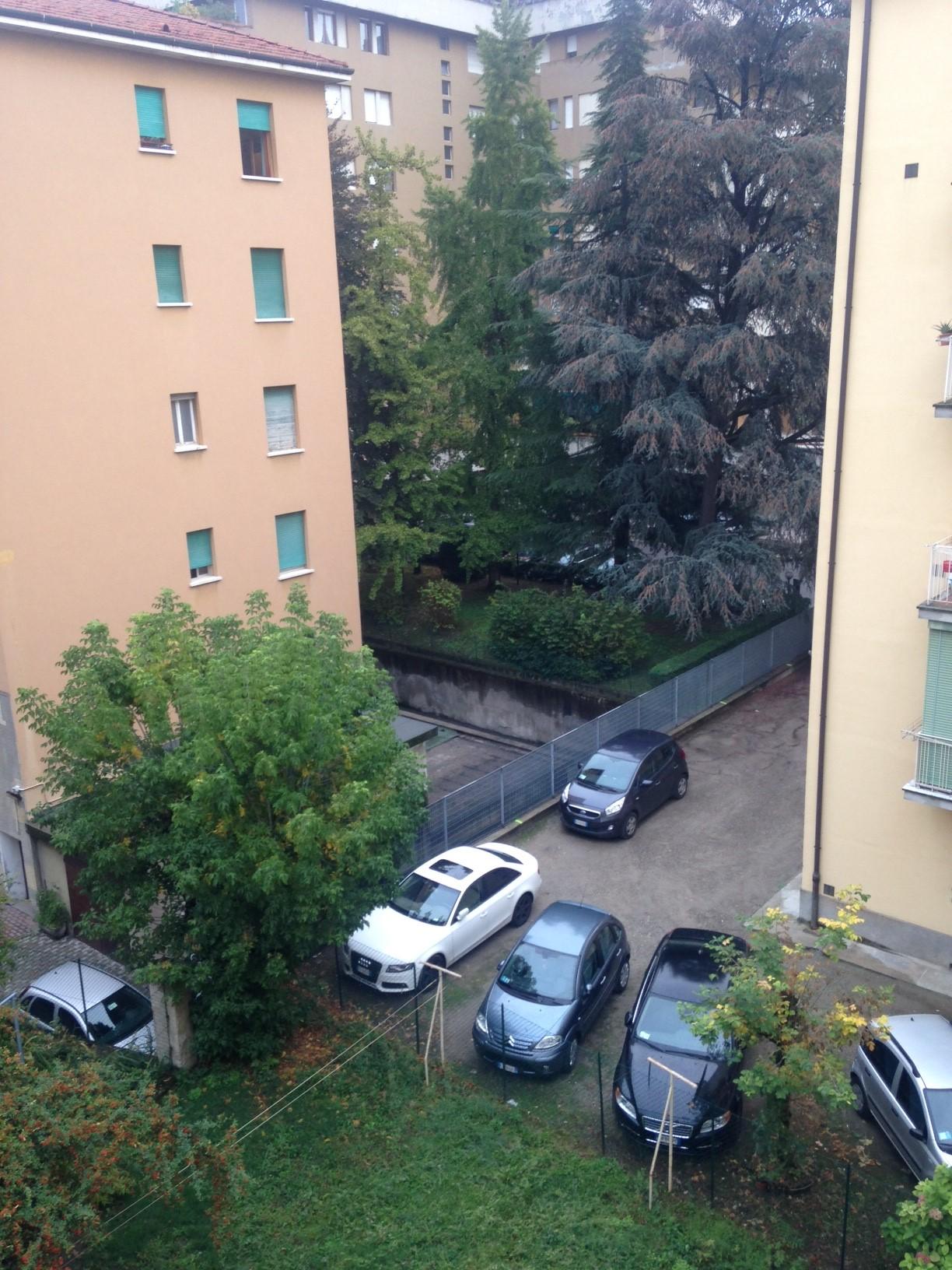 Bilocale Bologna Via Pompeo Vizzani 7