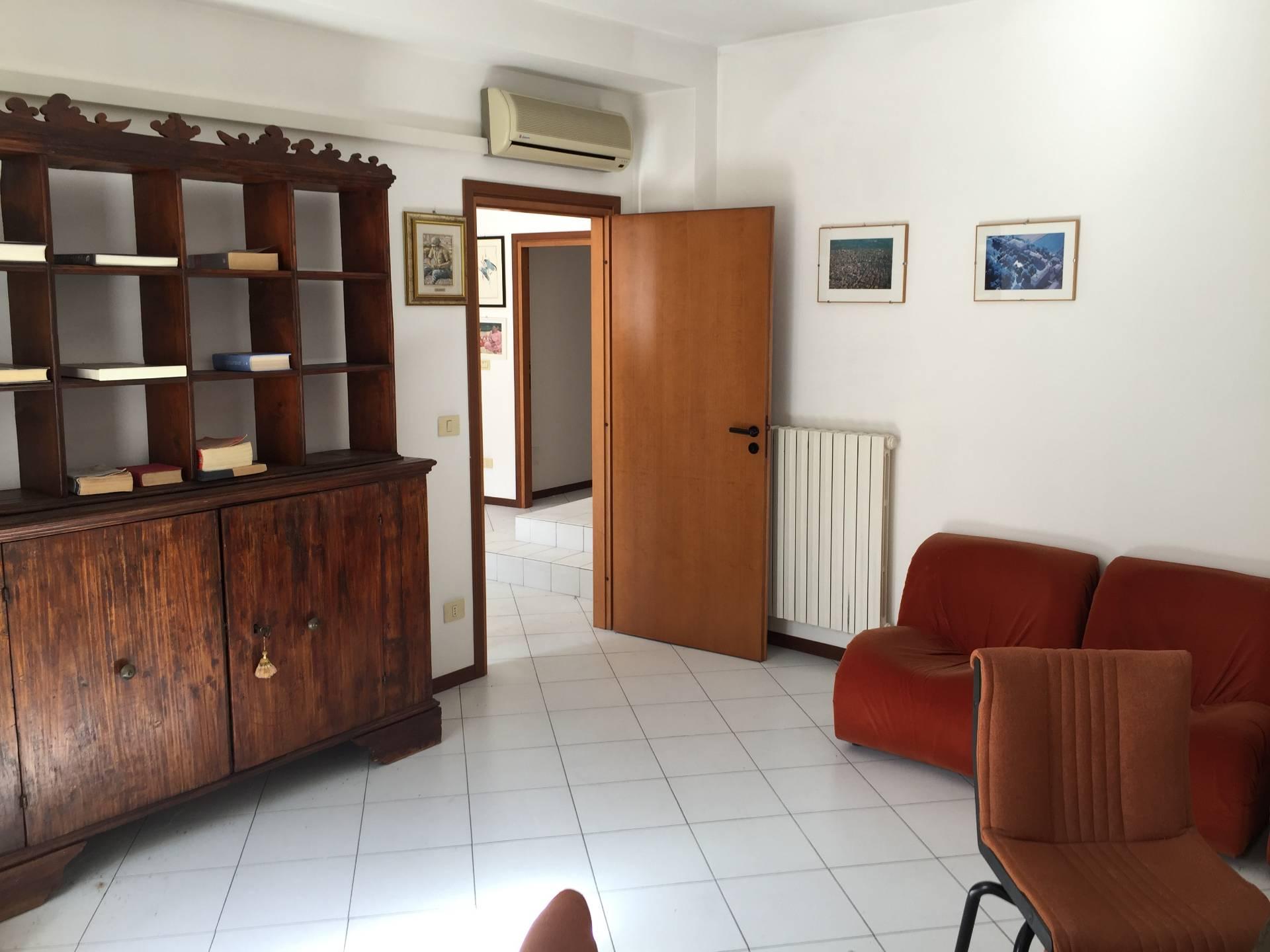 Ufficio / Studio in vendita a San Giovanni in Persiceto, 9999 locali, zona Zona: Budrie, prezzo € 54.000 | Cambio Casa.it