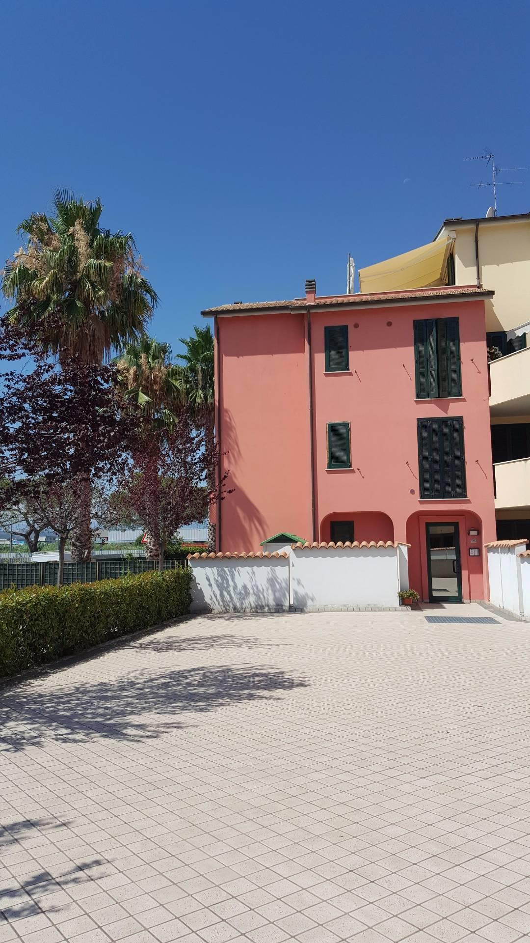 Bilocale San Benedetto del Tronto Via Corridoni 3