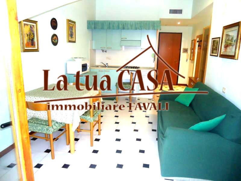 Appartamento in vendita a Loano, 2 locali, prezzo € 180.000 | CambioCasa.it
