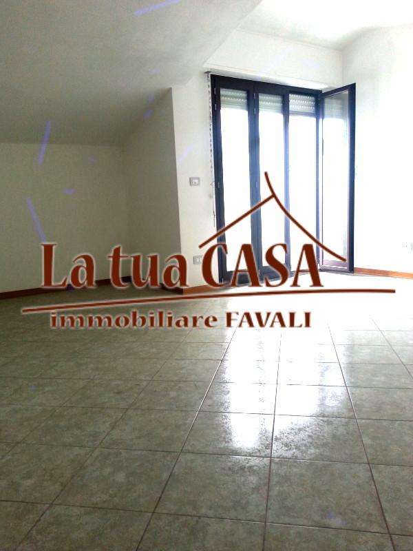 Appartamento in vendita a Loano, 2 locali, prezzo € 230.000 | CambioCasa.it