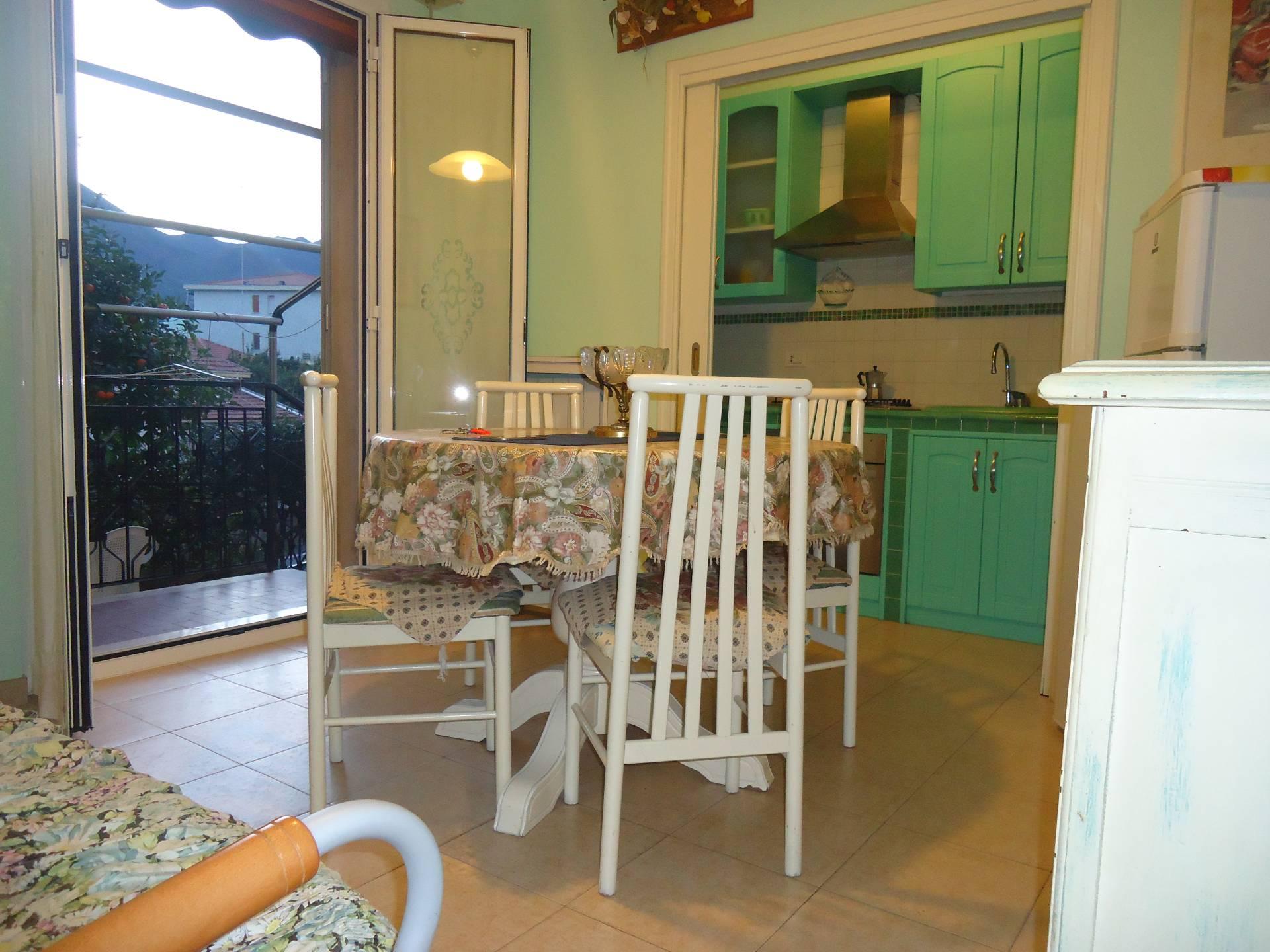 Appartamento in vendita a Loano, 3 locali, prezzo € 270.000 | CambioCasa.it