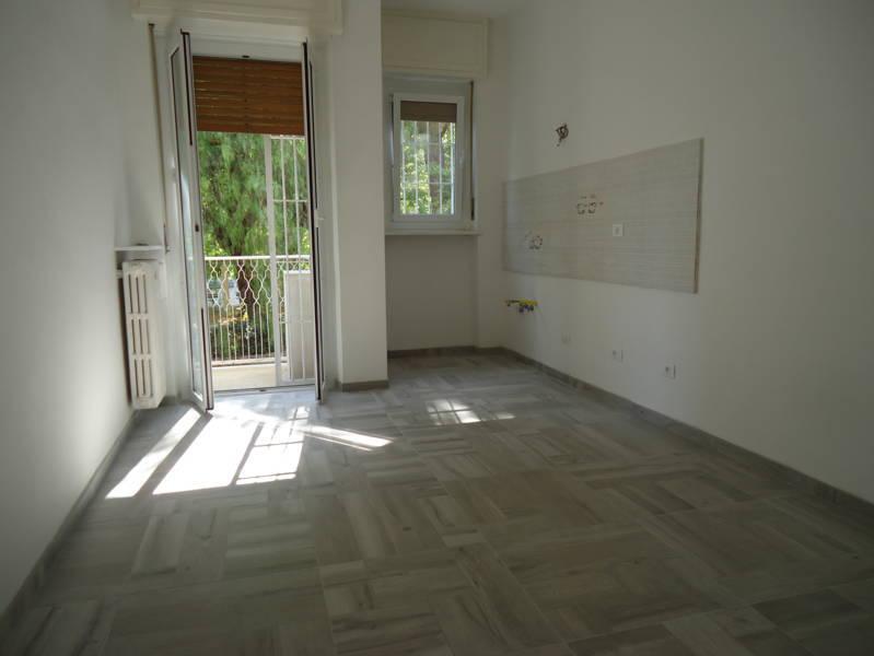 Appartamento in vendita a Loano, 3 locali, prezzo € 250.000 | CambioCasa.it