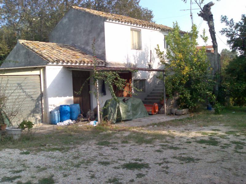 Rustico / Casale in vendita a Colonnella, 5 locali, Trattative riservate | CambioCasa.it