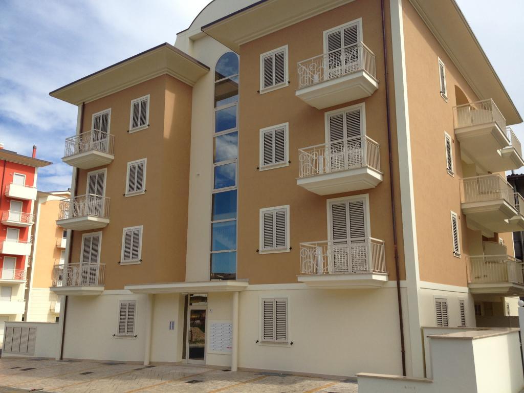 Appartamento vendita ALBA ADRIATICA (TE) - 3 LOCALI - 41 MQ