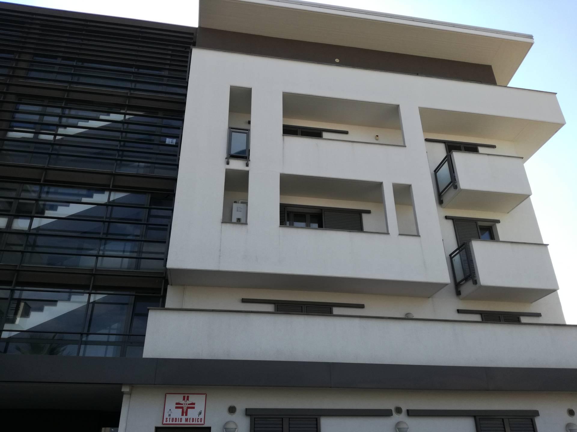 Appartamento in vendita a Corropoli, 4 locali, prezzo € 100.000   CambioCasa.it