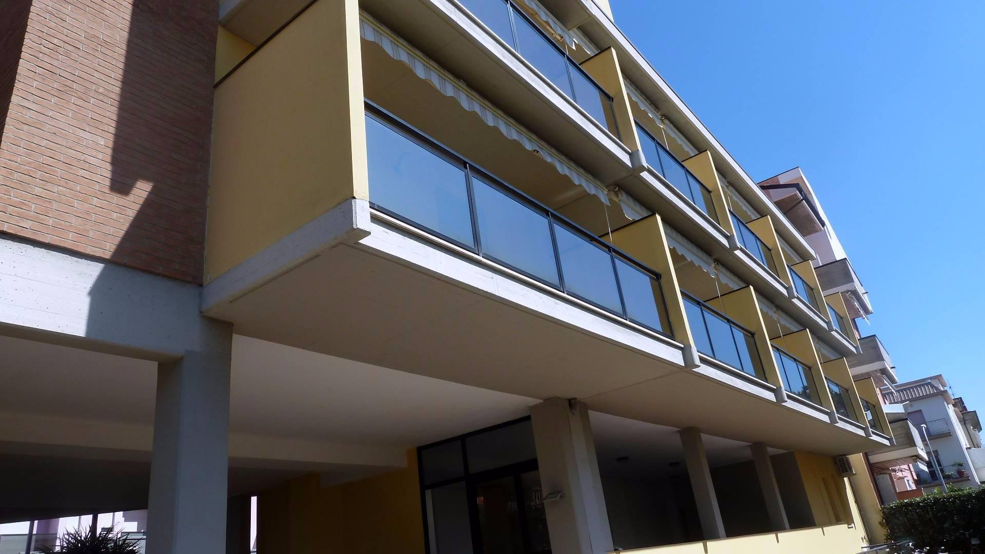 Attività / Licenza in vendita a Tortoreto, 9999 locali, zona Località: TortoretoLido, Trattative riservate | CambioCasa.it