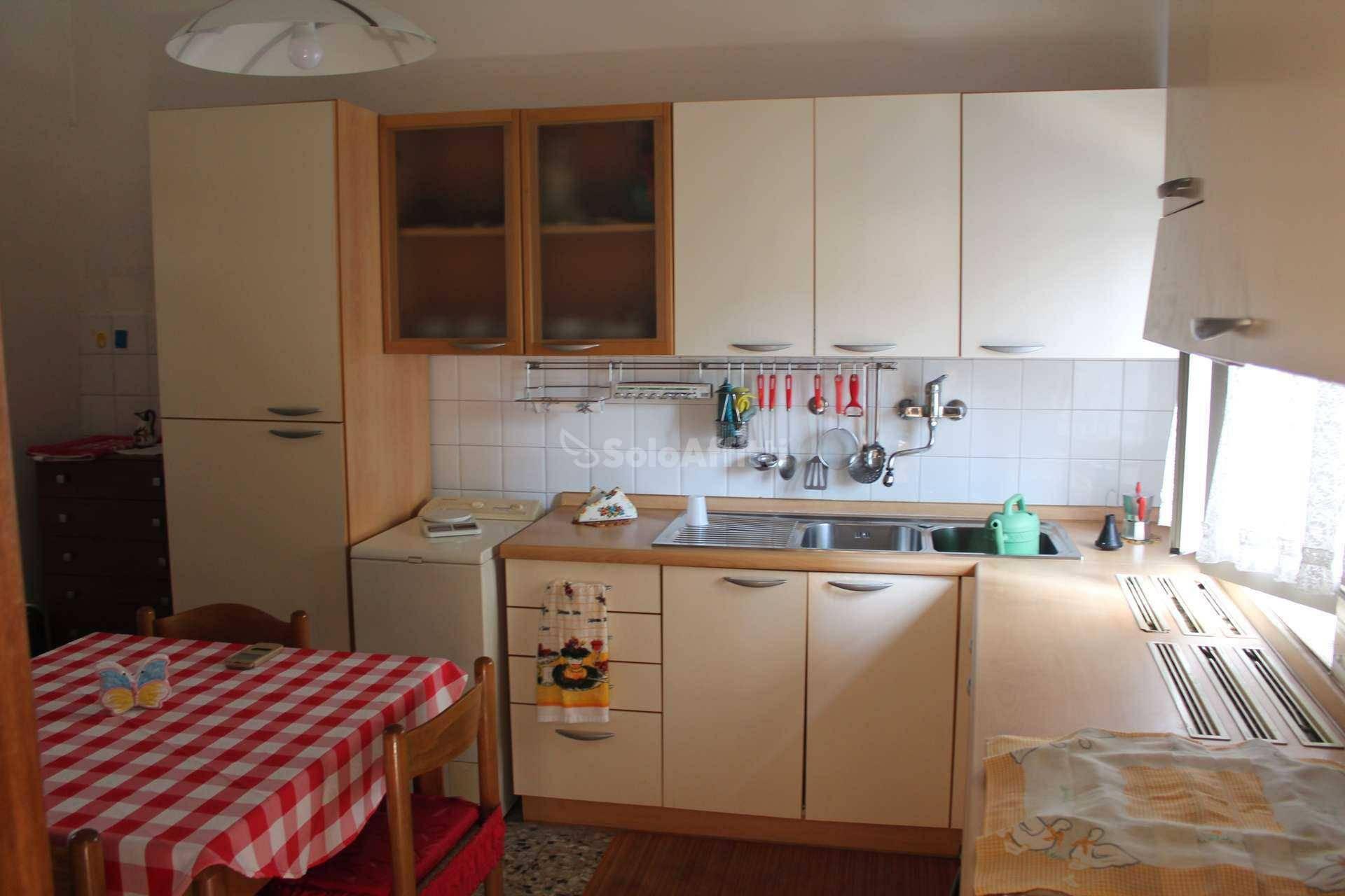 Soluzione Indipendente in affitto a San Benedetto del Tronto, 3 locali, zona Località: Centralissima, prezzo € 450 | CambioCasa.it